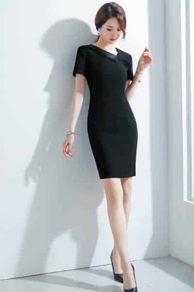 Đầm tay ngắn cổ lật ôm body - 99+ Mẫu đồng phục công sở nữ tự tin khoe vóc dáng