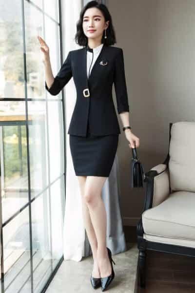 Áo kiểu chân váy body khoác vest tay lửng - 99+ Mẫu đồng phục công sở nữ tự tin khoe vóc dáng