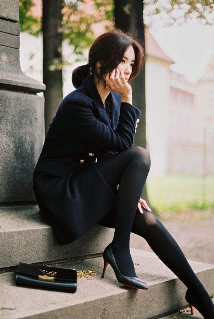 Áo khoác mặc với quần tất