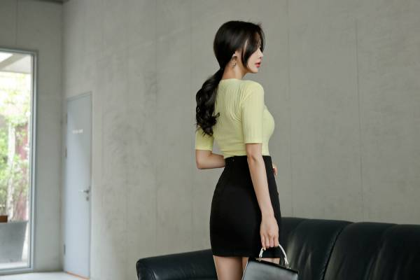 Chân váy công sở ngắn body xẻ trước - F1002CVN - Ảnh 5