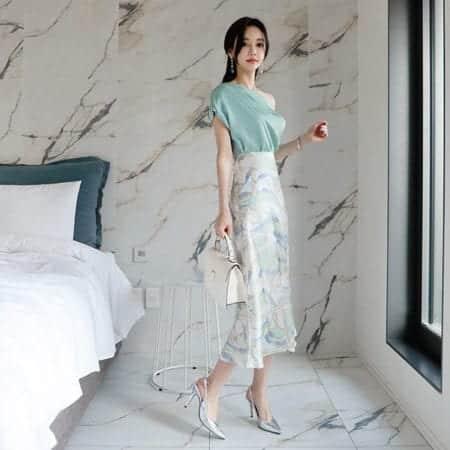 Chân váy hoa dáng suông form rộng - F1001CVD - Ảnh 4