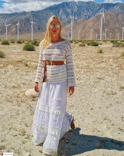 Thiết kế đan thưa mang cảm hứng du mục cũng được các fashionista yêu thích. (Ảnh: Instagram @Valentina Ferragni)