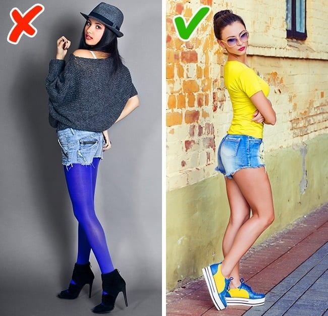 Kết hợp legging có màu với quần short jeans