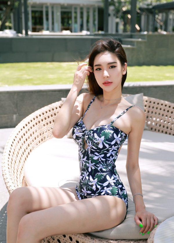 Bikini một mảnh - Ảnh 36