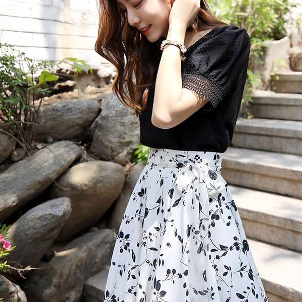 Chân váy voan trắng họa tiết hoa đen - F1004CVD - Ảnh 4