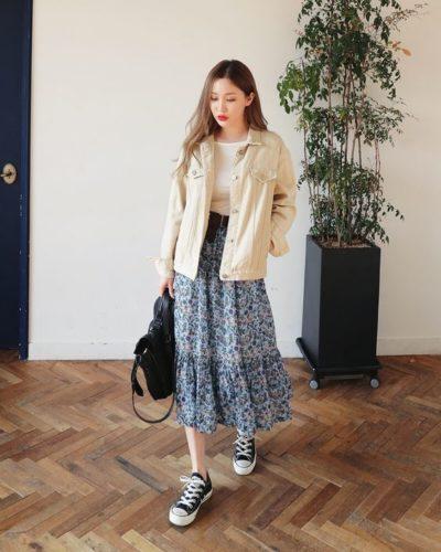 Chân váy midi hoa + áo jacket