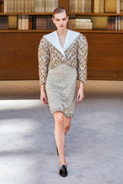 Người kế nhiệm Lagerfeld biến show Chanel Haute Couture thành thư viện khổng lồ - Ảnh 5
