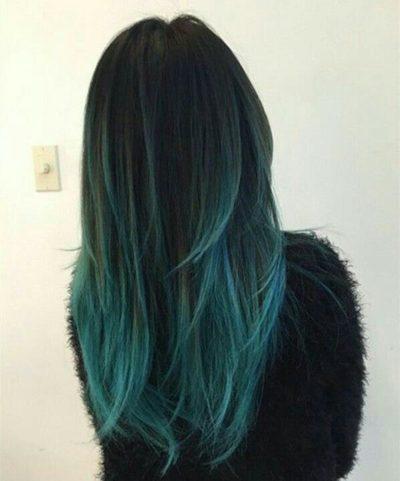 Tóc đen highlight xanh ngọc trai phá cách