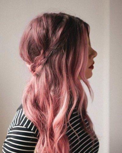 Tóc nâu highlight hồng nhẹ nhàng, dễ thương