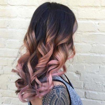Tóc đen highlight vàng hồng sành điệu