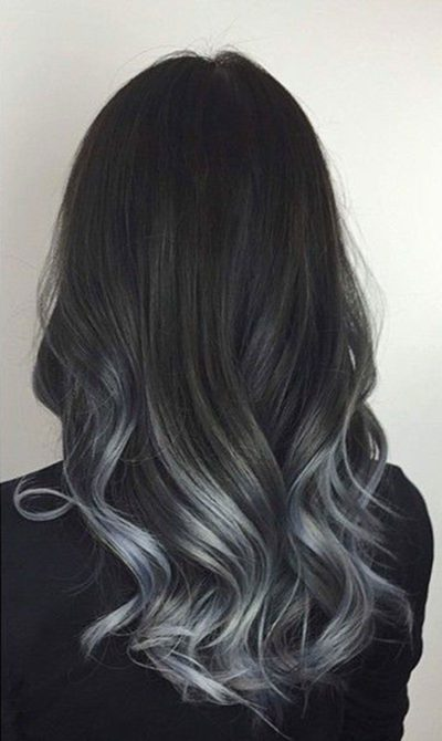 Tóc đen highlight bạch kim gợn sóng