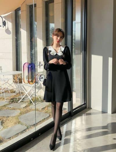 Đầm đen phối bèo voan trắng