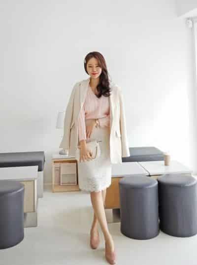 Áo len + Váy ren chữ a xinh xắn
