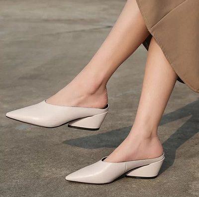 11 Kiểu giày đế thấp dành riêng cho chị em văn phòng - Ảnh 6