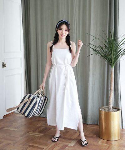 Đầm dài trắng thướt tha, yêu kiều