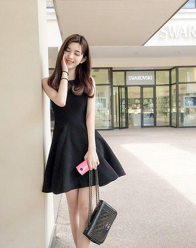 Đầm đen dáng xòe bồng bềnh sang chảnh