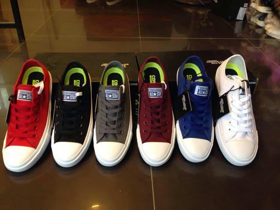 Bật mí cách chọn đúng size giày converse nữ chuẩn nhất