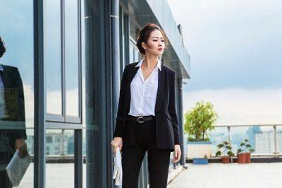 Quy tắc ăn mặc Formal chú trọng đến sự sang trọng và lịch sự.