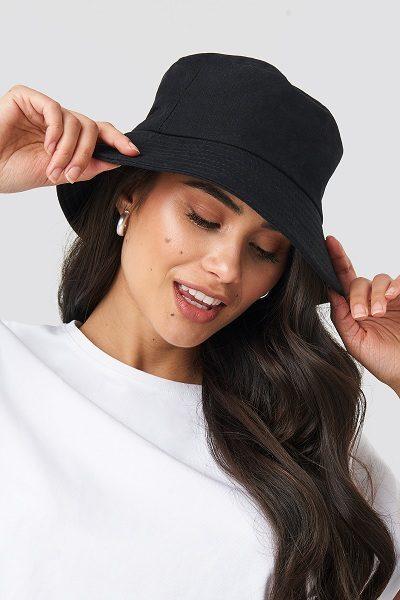 Phối đồ với mũ bucket cho nữ
