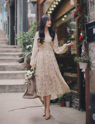 Như 1 cô nàng tiểu thư thật sự khi diện váy hoa dáng dài