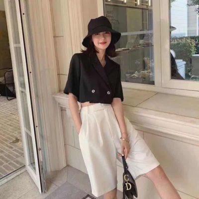 Biến tấu trang phục với quần short dài