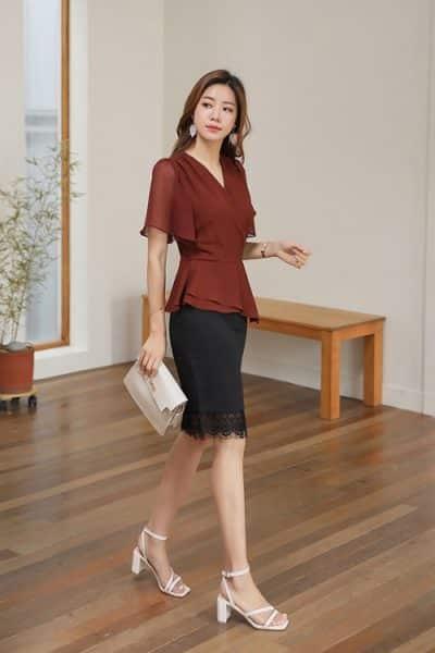 Nhẹ nhàng với kiểu áo voan đơn sắc mặc đi làm cho nữ công sở