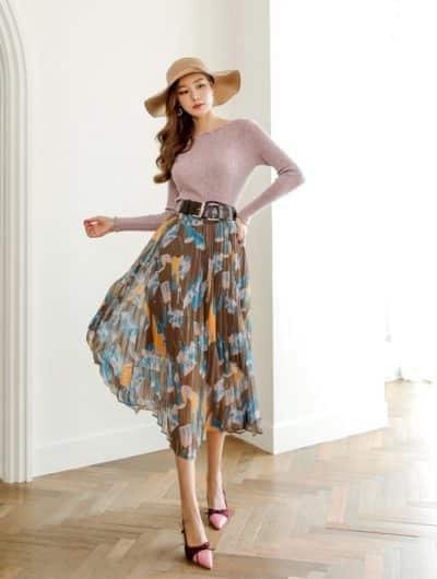 Váy xòe rộng chắc chắn không mấy ai chọn bởi nó chỉ thích hợp để đi dạo cùng bạn bè