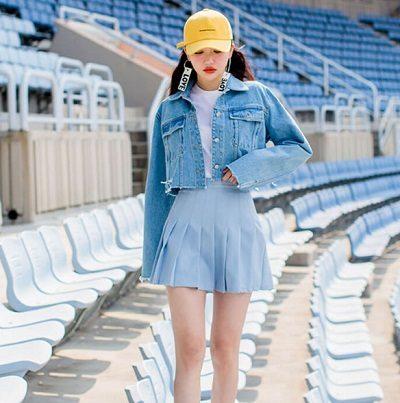 Phối chân váy tennis với áo khoác - Ảnh 2