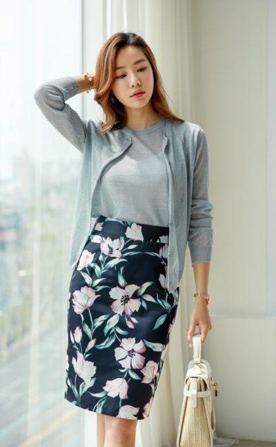 Hãy có sự lựa chọn khôn ngoan bằng việc khoác thêm một lớp áo mỏng bên ngoài cho nàng vẻ đẹp sang trọng