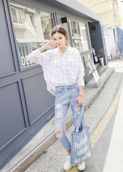 Áo sơ mi oversize mang phong cách Hàn Quốc