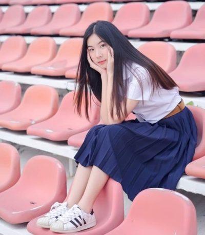 Đồng phục nữ sinh Thái Lan: Áo sơ mi váy ngắn siêu xinh - Ảnh 1