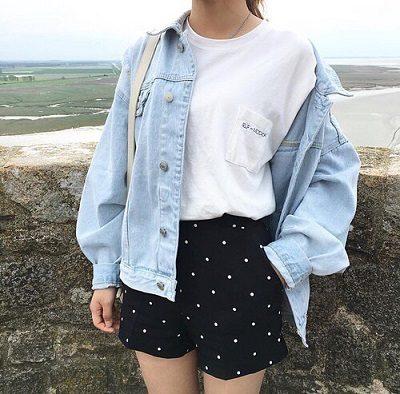 Công thức: Áo phông trắng tay ngắn + Quần short chấm bi