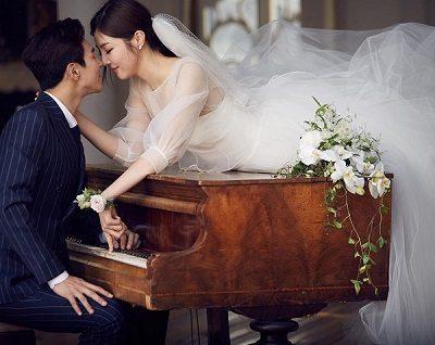 Kiểu váy cưới phối voan phần tay bồng làm nàng trở nên quyến rũ hơn