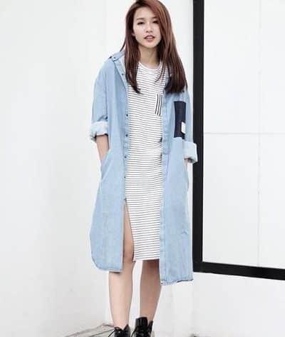 Phong cách Streetwear: Áo khoác jeans dáng dài và giày cao cổ