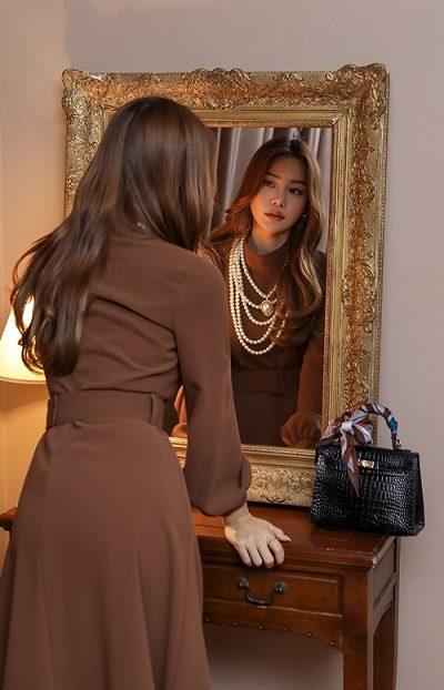 Váy áo nhiều chi tiết cầu kỳ hơn - Ảnh 1 - 4 Kiểu đồ giúp nữ công sở mặc đẹp mùa thu
