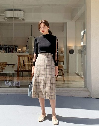 Chân váy kẻ bút chì dáng dài - Ảnh 2 - 4 Mẫu chân váy dài duyên dáng cho nữ công sở