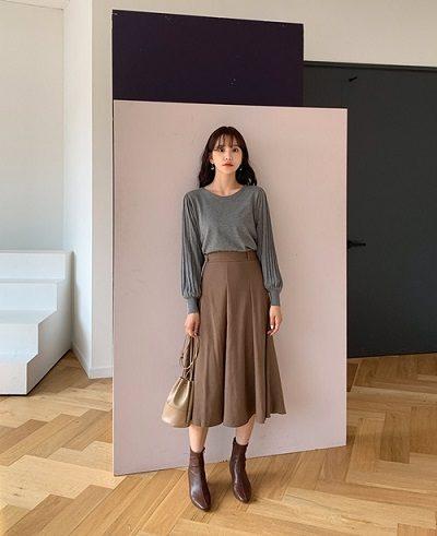 Chân váy kaki xếp li to dáng dài - Ảnh 1 - 4 Mẫu chân váy dài duyên dáng cho nữ công sở