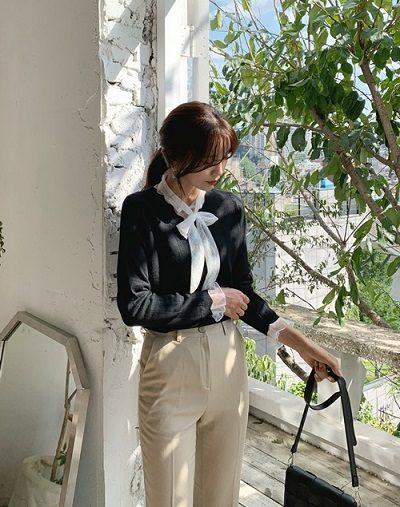 Áo len mặc ngoài sơ mi tiểu thư - Ảnh 1 - 5 Kiểu mix áo len thời thượng nổi nhất 2020 cho nữ công sở