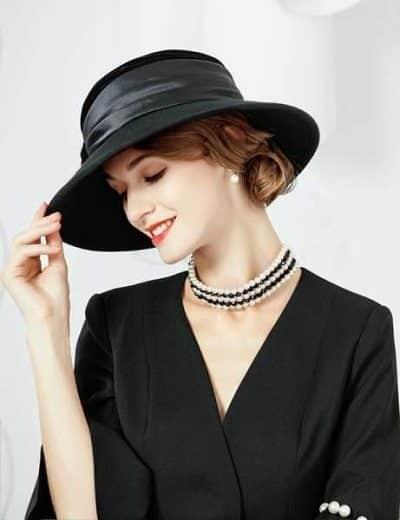 Mũ rộng vành - 6 Xu hướng phụ kiện thời trang 2020 cho phái đẹp