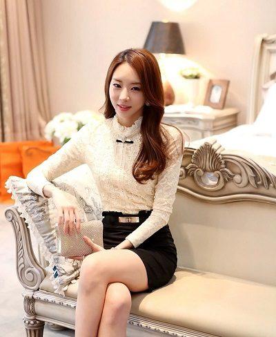 Chắc hẳn nàng chẳng bao giờ muốn bỏ qua những kiểu áo sơ mi ren Hàn Quốc đúng không nào?