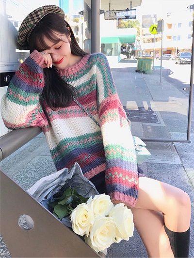 Áo len form rộng - Ảnh 1 - Cách mặc đồ cho người béo bụng trở nên quyến rũ