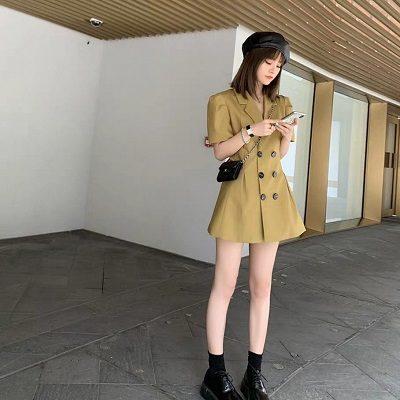 Shop luôn cập nhật những xu hướng mới nhất, hot nhất trên thị trường - Shop thời trang thanh lịch nữ tính ở Hà Nội