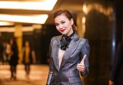 Mạnh mẽ, cá tính với những bộ Suit - 10 Xu hướng thời trang nữ 2020 nổi như cồn