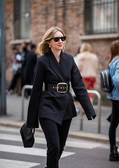 Thắt lưng to bản luôn là xu hướng hot trên thế giới - 10 Xu hướng thời trang nữ 2020 nổi như cồn