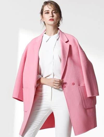 Áo lông cừu tông hồng dáng ngắn cho những cô nàng công sở - 10 Xu hướng thời trang nữ 2020 nổi như cồn