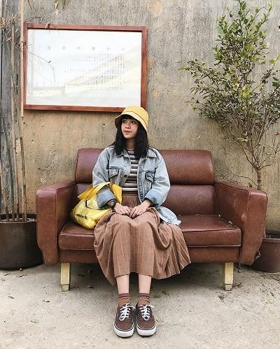 Mặc đồ đi Đà Lạt mùa thu - Công thức 2: Áo khoác demim