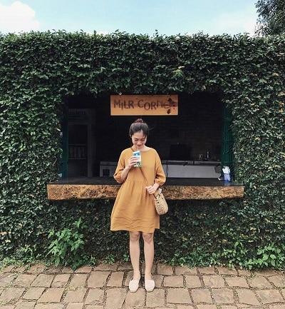 Mặc đồ đi Đà Lạt mùa hè - Những trang phục tone màu vàng, nâu đất hay be