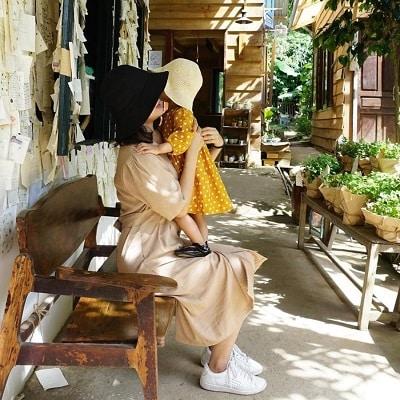Mặc đồ đi Đà Lạt mùa hè - Công thức 2: Những trang phục tone màu vàng, nâu đất hay be