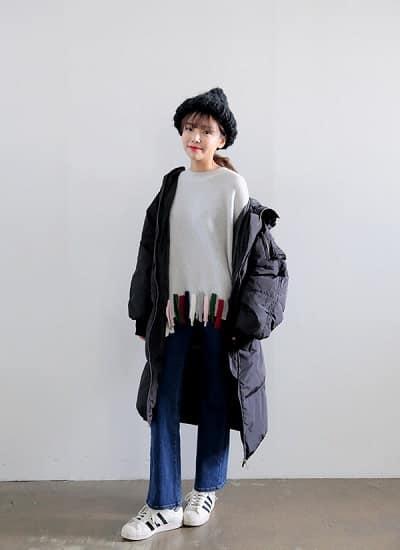 Mặc đồ đi Đà Lạt mùa đông - Công thức 1: Áo phao + giày sneaker