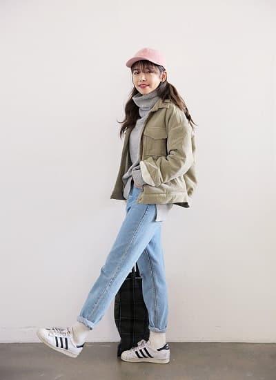 Mặc đồ đi Đà Lạt mùa đông - Công thức 2: Áo khoác jacket dáng ngắn + Quần baggy